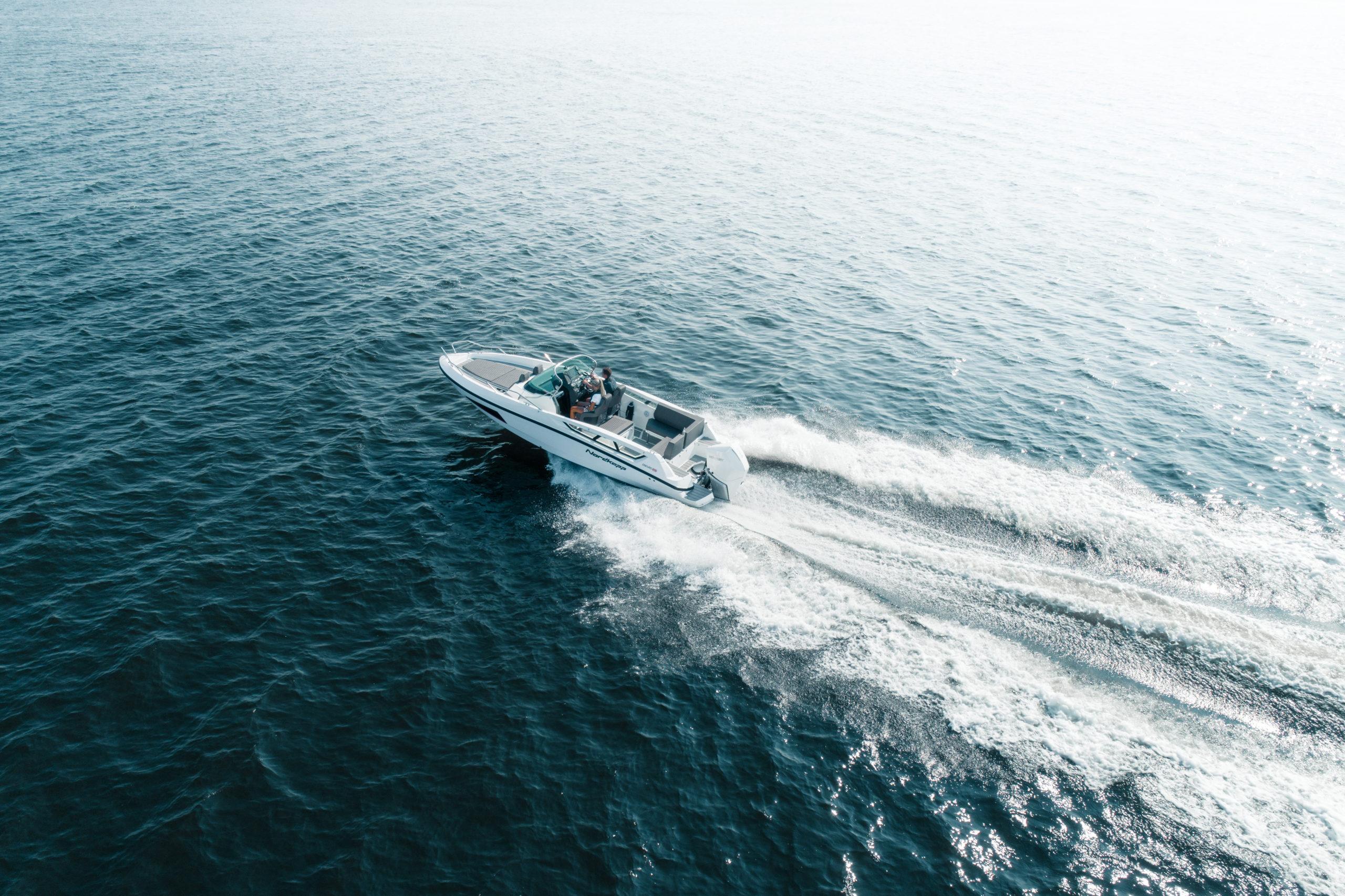 Enduro 805 at sea_ seen from air