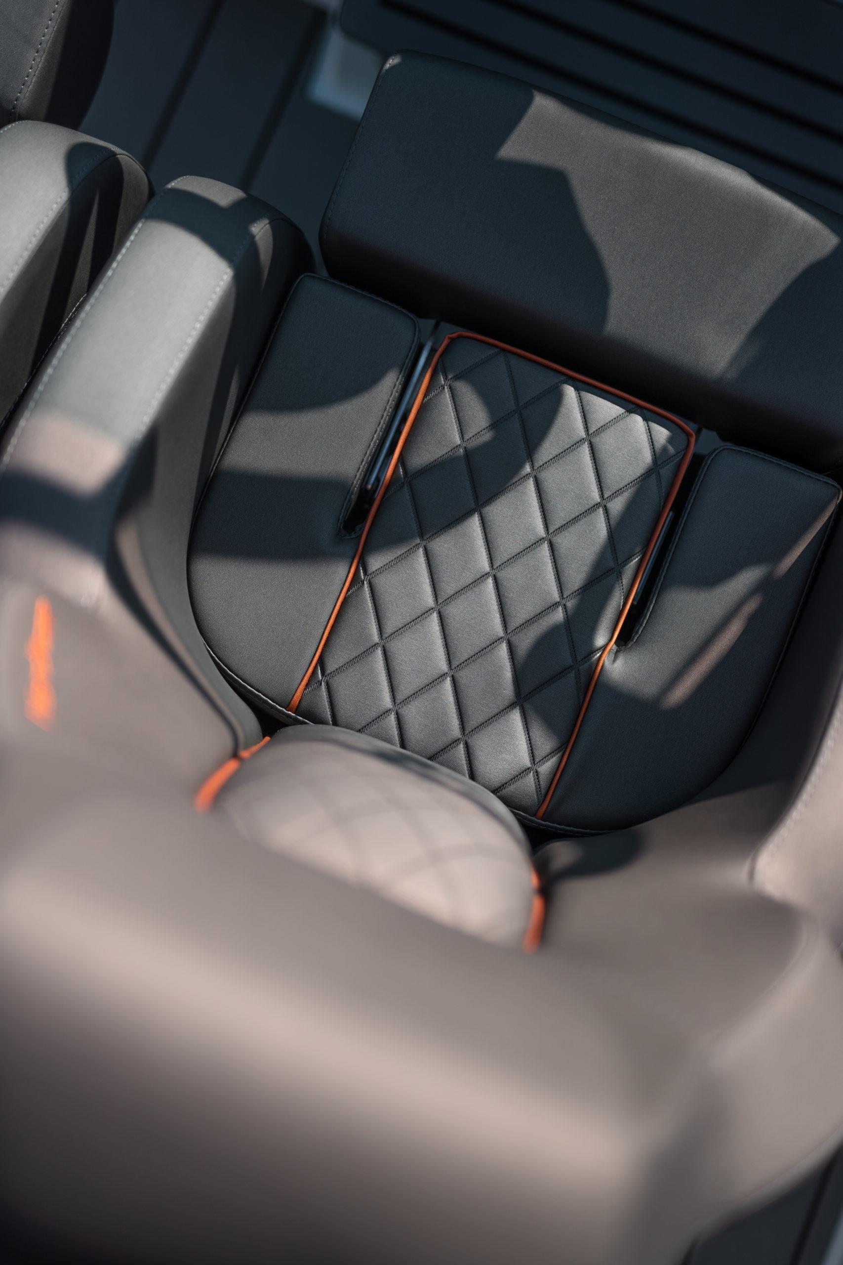 Enduro 805 details - drivers seat